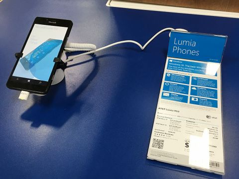 会社支給の「2台目」需要を狙うWindows 10 Mobile