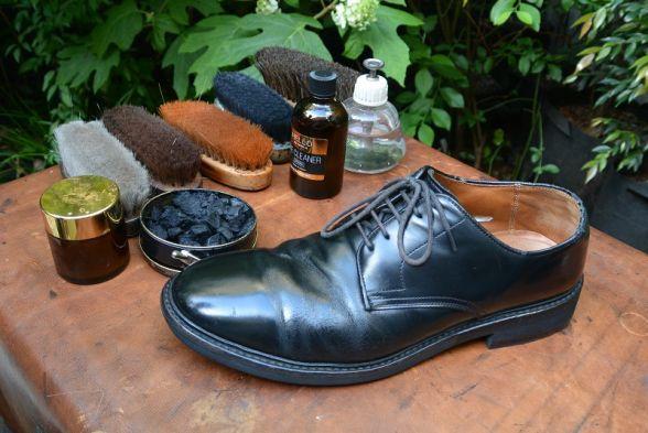 ASCII.jp:まるで靴磨きバー!酒...