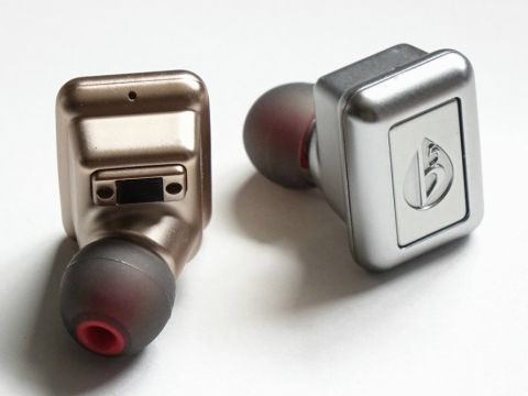 低域寄りでゴージャスな音の1万円台完全ワイヤレスイヤフォン「Aria Two」