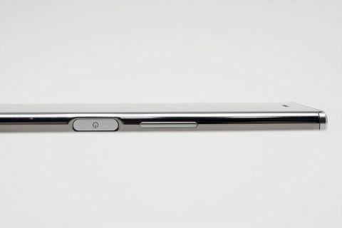 この夏に欲しいスマホはXperia XZ Premium? それともGalaxy S8+?