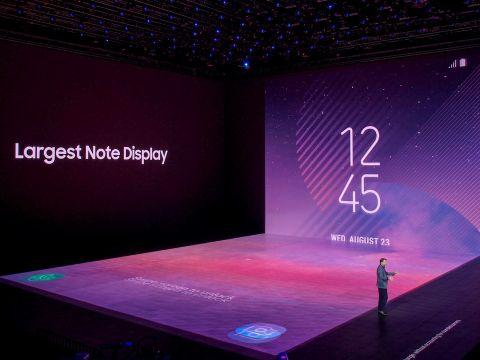 真夏のNYでGalaxy Note8発表、高価だがペン入力はユニークな存在