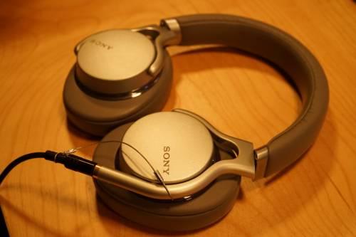 有線タイプではハイレゾヘッドフォン「MDR-1AM2」が初登場