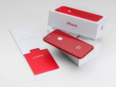 赤いだけのiphone 8 red が即買いしたくなるワケ 週刊アスキー