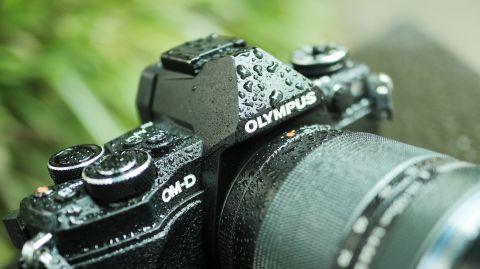 デジカメオリンパスミラーレス一眼「OM-D E-M5 Mark II」の魅力は防滴