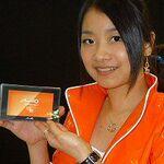 Mio Technology、デュアルスクリーンGPS携帯などを展示