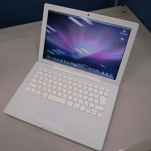 白MacBook