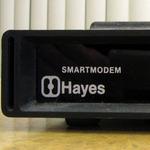 業界に痕跡を残して消えたメーカー アマチュア向けモデムの生みの親Hayes