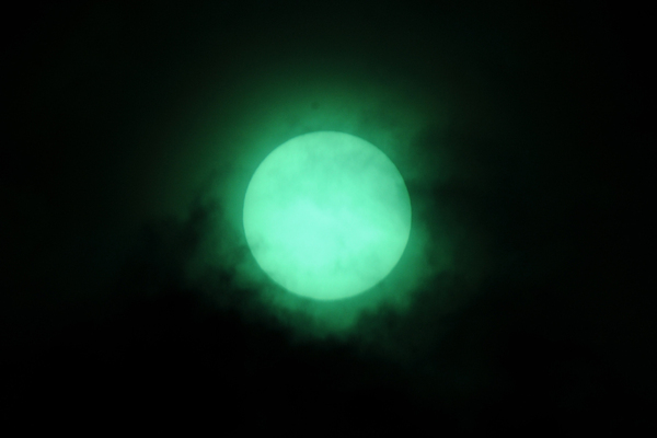 世紀の天体ショー「2009 皆既日食」