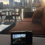 海外旅行でデジカメの写真をその場でSNSにアップする技