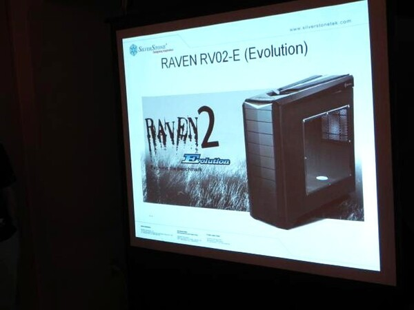 「RAVEN RV02-E(Evolution)」