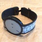 バンドまで電子ペーパーの腕時計「FES Watch」を衝動買い!