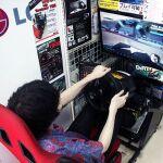 ハンコンから操縦桿にマウスまで ゲーム用デバイスを紹介