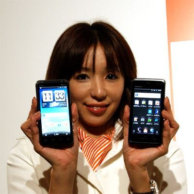 au 2011年冬モデル発表会 WiMAX入りスマホは4台!