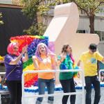 サンフランシスコを飾った「歴史的」なLGBTのパレード