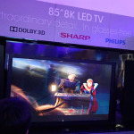 裸眼3Dの8Kテレビ! 精細さをアピールするシャープブース