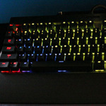 CORSAIR、新型PCケースや7色に光るキーボードなどを公開