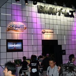 DMMゲームズブースではモンハンと銀英伝がサプライズ発表!