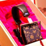 お値段約18万円から! すご〜く贅沢な桐箱入りオーダーヘッドフォン