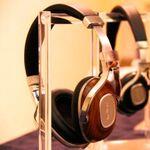 木と金属の素材感&上質な音が魅力、デノン新ヘッドフォン