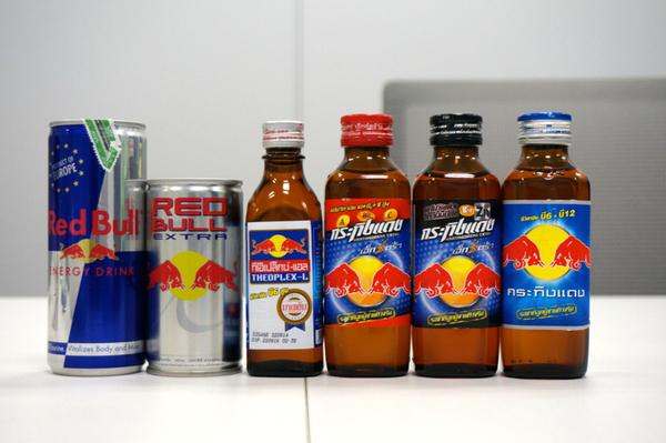 ASCII.jp:現代エナドリの故郷・タイのレッドブルを7本も飲み比べる (1/2)