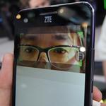 ZTEの虹彩認証とiPhoneに似た(?)スマホをフォトレポ