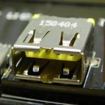 USB接続時のイライラを解消するマザーをASUSが参考出展