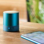 3000円台半ばの手のひらサイズのワイヤレススピーカー「HUAWEI Mini Speaker」が超便利!