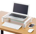 狭いデスクを有効活用! USB 2.0×3口ハブ付きデスクボード