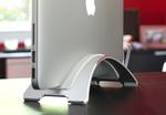 MacBookをクラムシェルモードで使用できるアルミスタンド