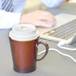 コンビニコーヒーを美味しく飲めるUSBカップウォーマー
