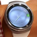 サムスン、腕時計端末「Gear S2」を公開、UHDテレビへの取り組みも説明