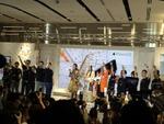 「3つのスーパー」で勝負するauのiPhone 6s発売イベント