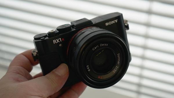 国内発売が決定した「RX1R II」