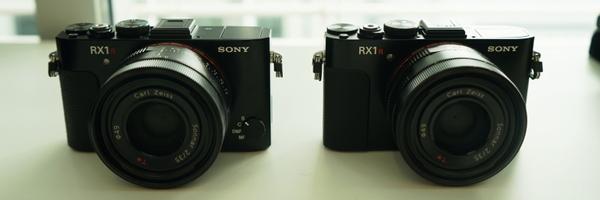 RX1R II(左)と従来の「RX1R」(右)。あまり外観は変わらない