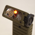 赤や青はいつ使う? 軍用ライトの一味違った設計を解説