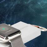 ケーブル不要で4回フル充電できるApple Watch用モバイルバッテリー