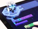 iPad Pro画面の上を走るロボ! 「TABO(ターボ)」