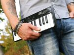 超コンパクトなUSB MIDIキーボード「iRig Keys USB」
