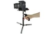 動画撮影の手ぶれ防止に、ミニ三脚にもなるハンドスタビライザー