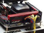 AVEXIR製の発光機能装備のDDD4メモリー「RED TESLA/IMPACT」