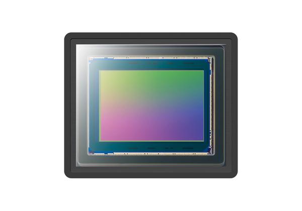 撮像素子は1型の「Exmor RS」センサー