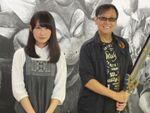 堀井氏が新宿にあらわれた! 超巨大黒板に描かれたモンスターにかいしんの一撃!