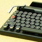 タイプライター風Bluetoothキーボード「QWERKYWRITER」、国内販売開始