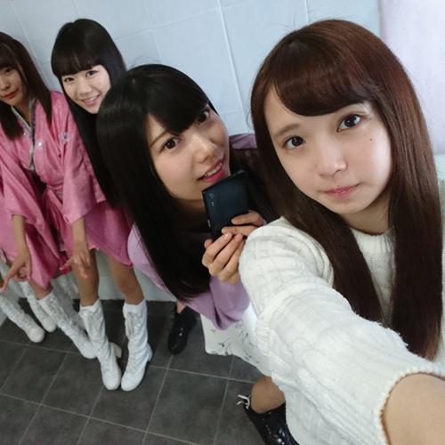 女子ペリア! 藤野志穂ちゃんが「2o Love to Sweet Bullet」のメンバーとグルーフィー!【Xperia×アイドル】