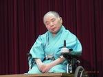 41歳、脳溢血で倒れても落語は続けた「車椅子落語家」映画化