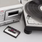 カセット&レコードの人気再燃! 最新アナログオーディオ製品を買う