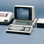 """自分で全部制御できた「PC-8001」こそ""""歴代最高""""のパソコンである!"""