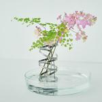 高機能抗菌技術で花瓶に入れるだけで水をきれいにするインテリア