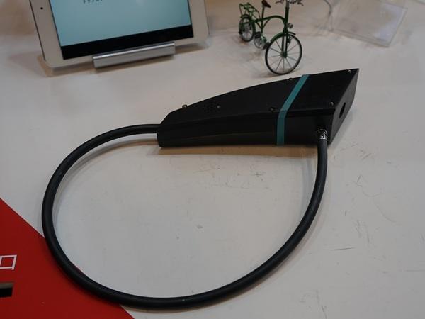 レンタルサイクルなどの自転車のシェアを想定し、クラウドのデータと自転車のロックを連動させる装置