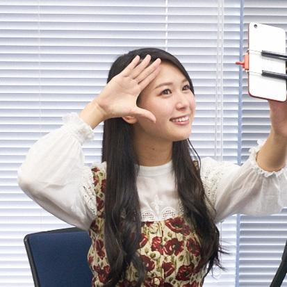 現役RQが厳しくジャッジ! 自撮りスマホ対決~キャリアスマホ編~